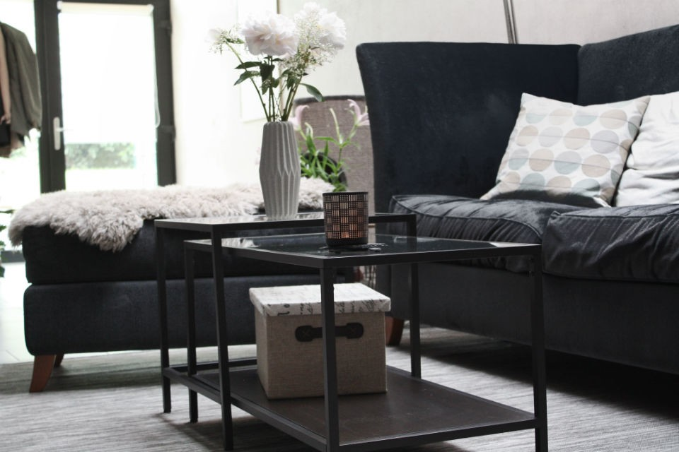 ikea hack mein neuer alter couchtisch deko guide. Black Bedroom Furniture Sets. Home Design Ideas